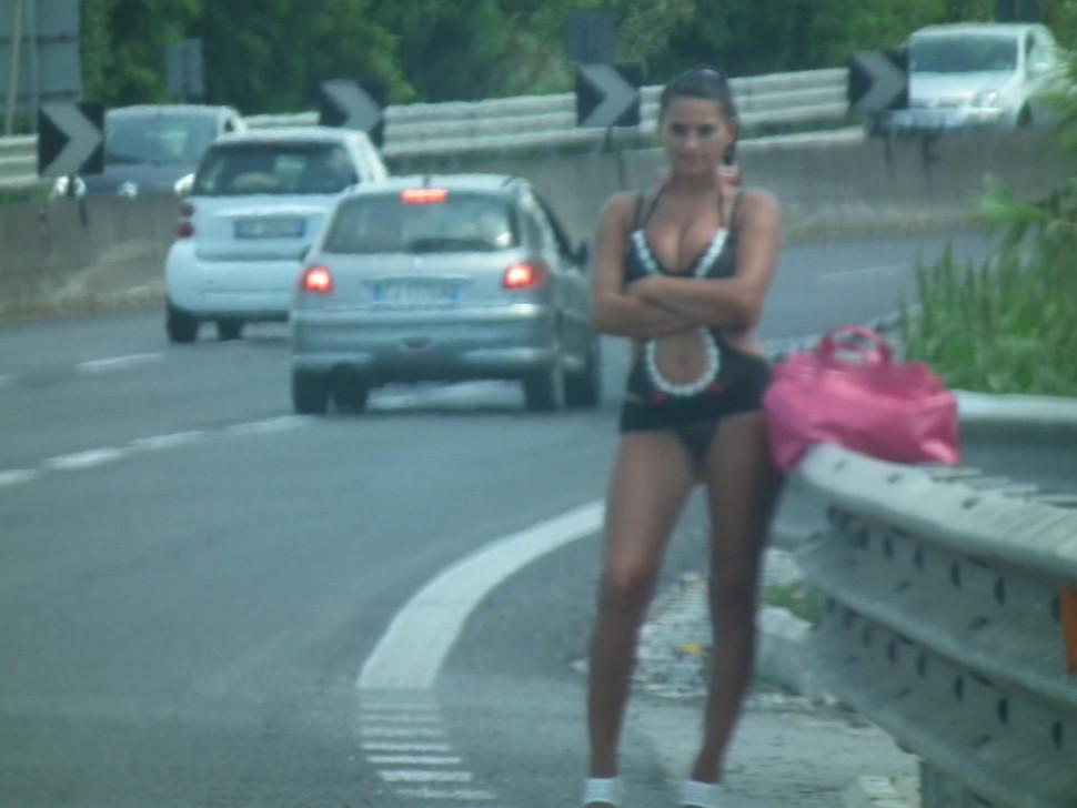 street-walkers-nude-amanda-herd-naked